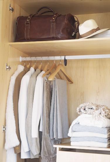 Foto Cómo organizar y distribuir los armarios roperos tradicionales