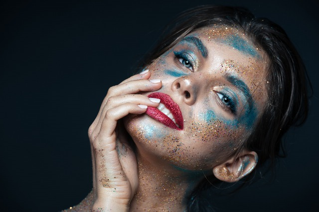 Foto Ojos y labios glitter paso a paso