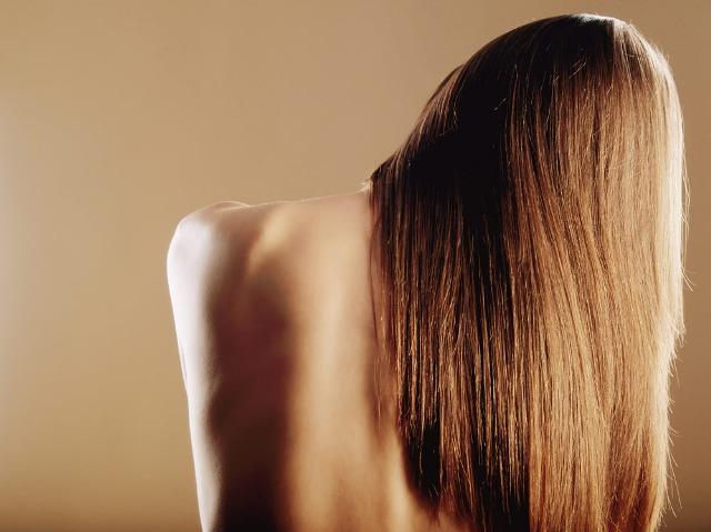 Foto Adiós al pelo encrespado con el tratamiento capilar de queratina brasileña
