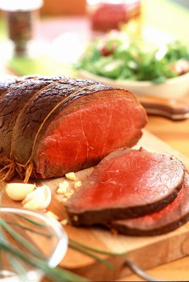 Foto Lomo de añojo al horno con dos salsas para Navidad