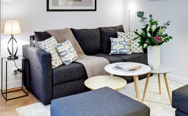 Foto Ideas prácticas para renovar el sofá