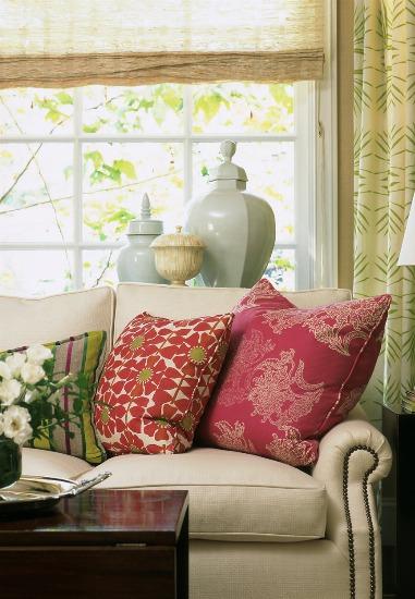 Foto Cambia los cojines y dale un aire nuevo al sofá