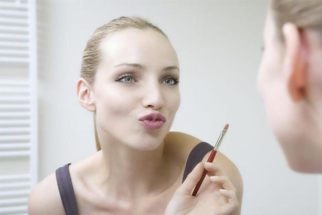 Foto Ejercicios para unos labios jóvenes