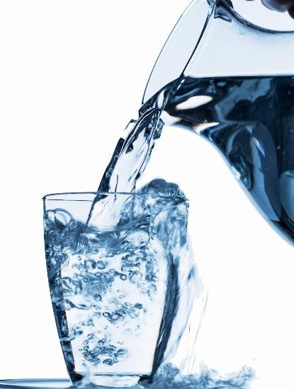 Foto El agua, un arma de doble filo en la lucha contra la retención de líquidos