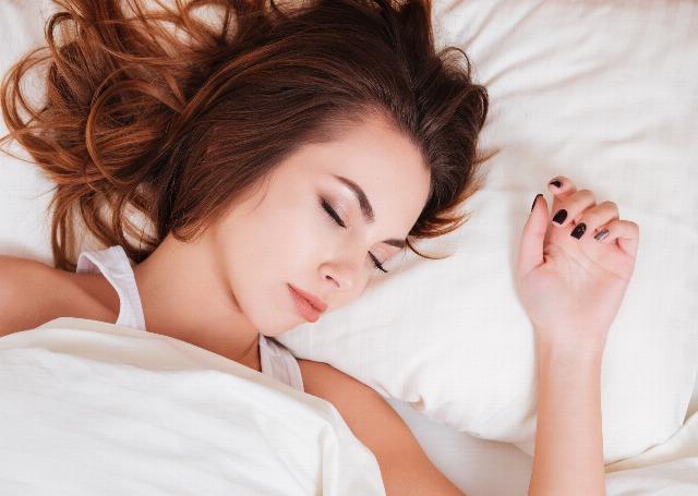 Foto Cómo dormir de un tirón en verano