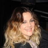 Drew Barrymore con mechas californianas marcadas