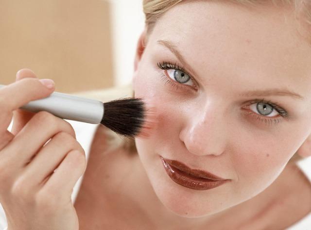 Foto Cómo aplicar el colorete para un resultado perfecto