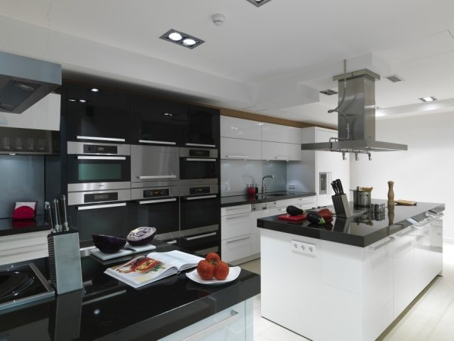 Cocinas en blanco y negro fotos mujerdeelite - Cocinas en blanco y negro ...