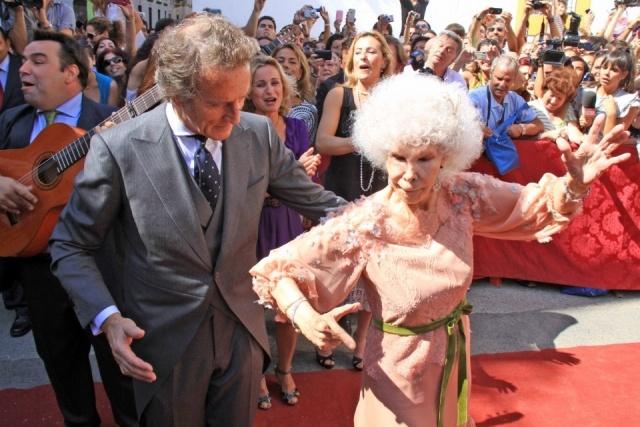 Foto La duquesa de Alba y Alfonso Díez, estampa torera
