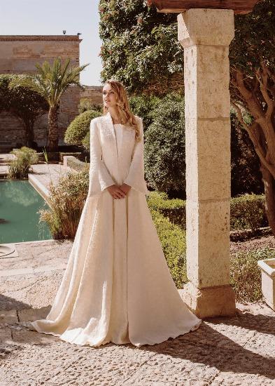 Foto las capas conceden un importante toque de elegancia y sofisticación a las novias