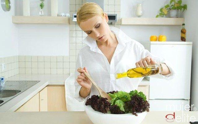 Foto El aceite de oliva virgen no es lo mismo que aceite de oliva a secas