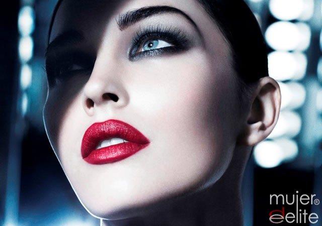 Foto Megan Fox luce labios rojos