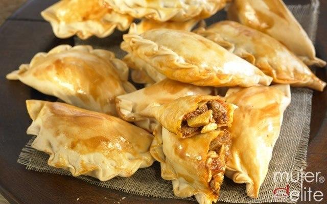 Foto Empanadillas criollas como entrante del menú argentino