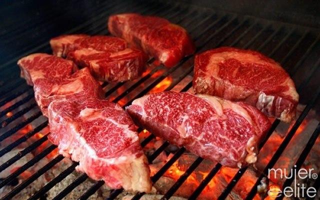 Foto La parrillada de carne no puede faltar en tu menú argentino
