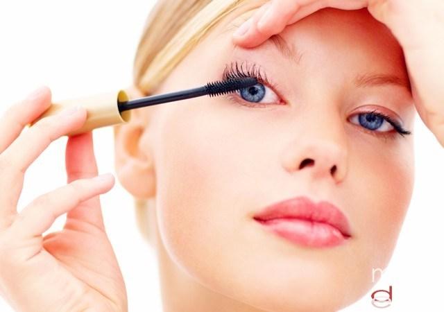 Foto Maquillaje para unas pestañas largas y espesas