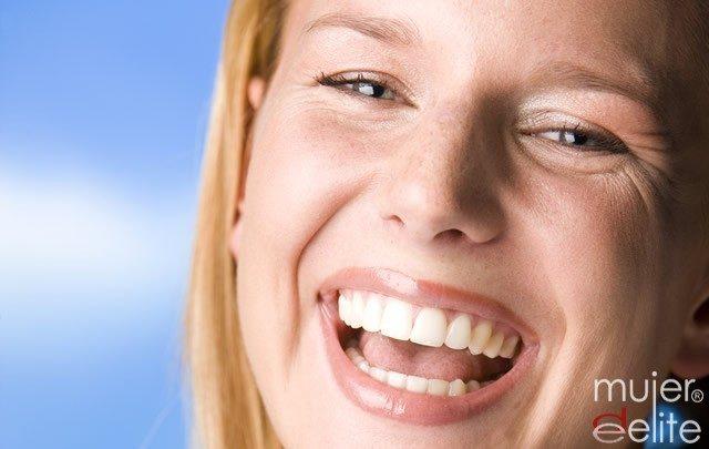 Foto Tratamientos estéticos para unos dientes blancos y perfectos
