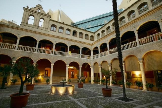 Foto Patio del AC Hotel Palacio de Santa Paula en Granada