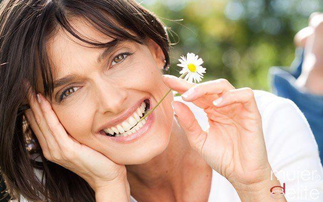 Foto Todo sobre el blanqueamiento dental