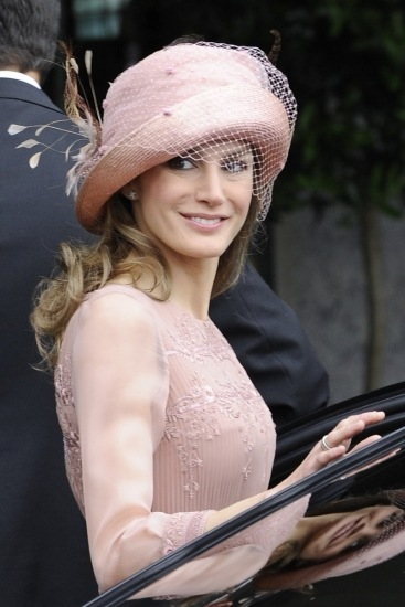 Foto La princesa Letizia, con un elegante tocado en la boda de Kate Middleton y el príncipe Guillermo