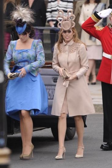 Foto Beatriz y Eugenia, hijas de Sarah Ferguson, en la boda de su primo, el príncipe Guillermo con Kate Middleton