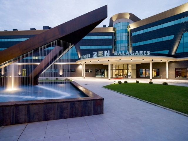 Foto Fachada del hotel Zen Balagares de Avilés