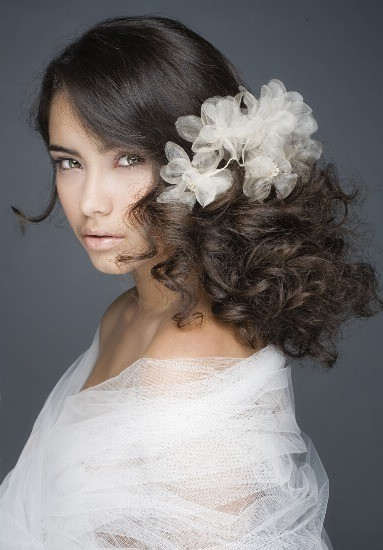 Foto Peinados para novias con tocado