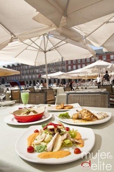 Foto Las ensaladas, pollo y pescado a la plancha, la perfecta elección para comer o cenar fuera sin engordar