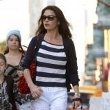 Catherine Zeta Jones dice no a los az�cares e hidratos de carbono