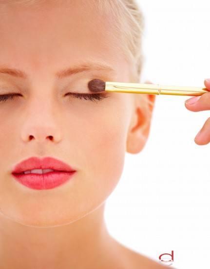 Foto Sombras tono tierra: la mejor opción en tu maquillaje diario