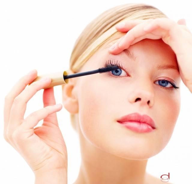 Foto Base de maquillaje natural para tu rostro: huye de los tonos artificiales