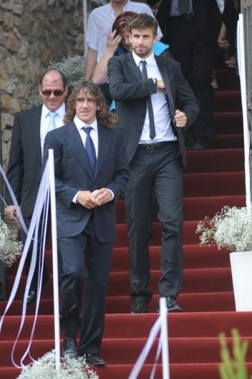 Foto Carles Puyol y Gerard Piqué en la boda de Andrés Iniesta y Anna Ortiz
