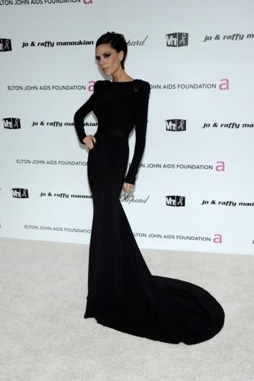Foto Victoria Beckham luce extrema delgadez en más de una ceremonia