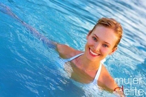 Foto La natación: deporte estrella para lucir un pecho firme