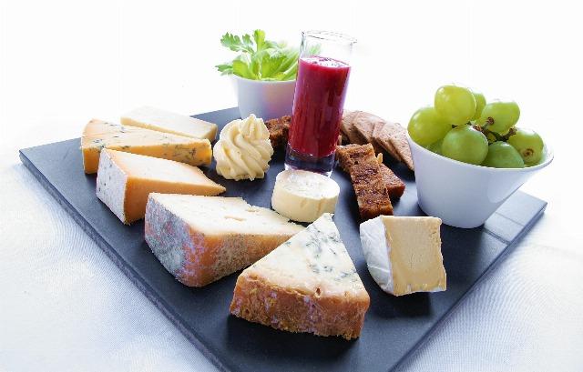 Foto Algo que siempre queda bien en todas las cenas es una tabla de quesos