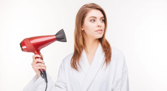 Foto Aleja tu pelo del calor para evitar la caída