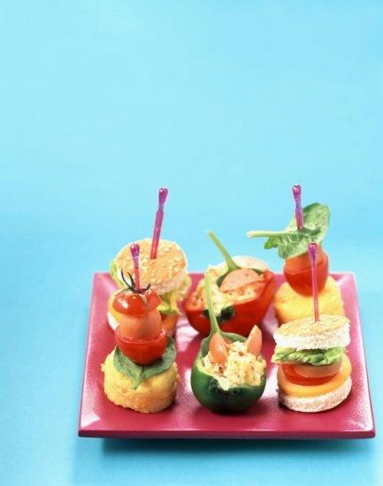Foto Hamburguesas y bocadillos minis, ideales para las meriendas de cumpleaños infantiles