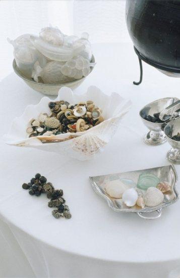 Foto Conchas, piedras y caracolas para crear elementos decorativos exclusivos tras el verano