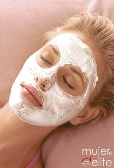 Foto Mascarilla semanal para recuperar la hidratación de la piel después del verano