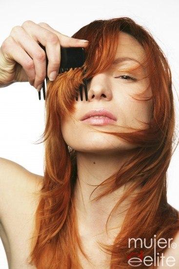 Foto Las mascarillas y serums son indispensables para mantener el brillo y la intensidad del cabello pelirrojo