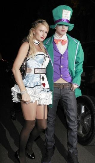 Foto Paris Hilton y su novio River Viiperi disfrazados en Halloween