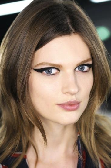 Maquillaje Lanvin con ojos de gata Fotos MujerdeElite