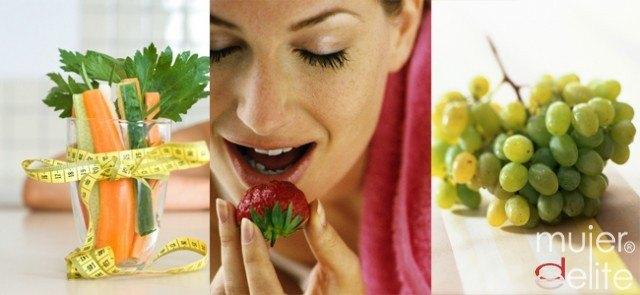Foto Manzanas, uvas y fresas, tus aliados contra los dientes amarillentos