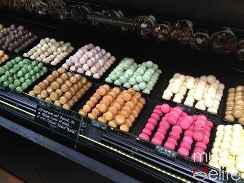 Foto Los macarons pueden ser de diferentes colores, cada uno se corresponde a un sabor