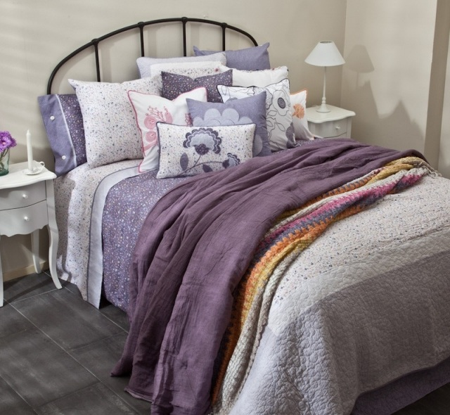 Foto Ropa de cama en varios tonos para la primavera