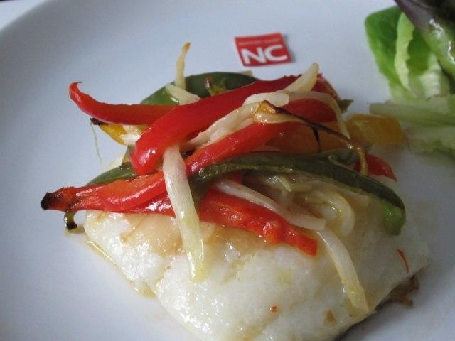 Foto Bacalao con pimientos bajo en calorías para Semana Santa