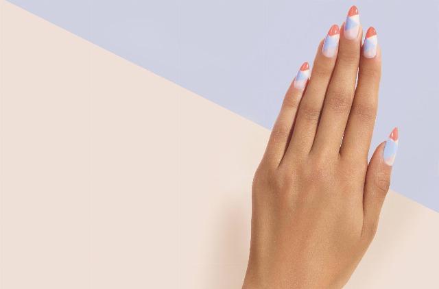 Foto Las uñas stiletto y con la punta extrafina, en tendencia para esta primaveraverano
