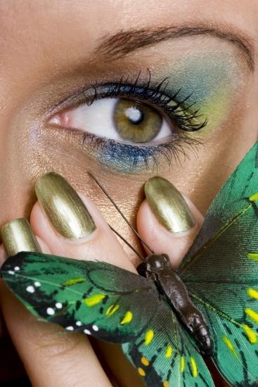 Foto Maquillaje de ojos en azul combinando varios tonos