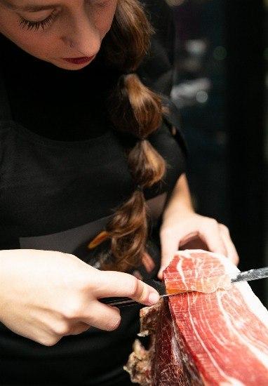 Foto Corte y consumo del jamón ibérico