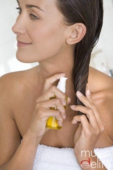 Foto Aceite de jojoba: tratamiento natural para el pelo graso