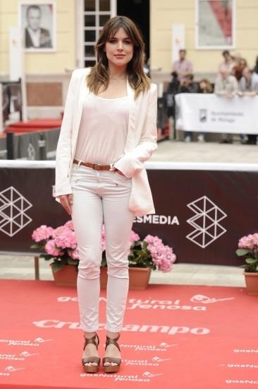 Foto Adriana Ugarte y su look blanco perfecto en el Festival de Cine de Málaga 2013